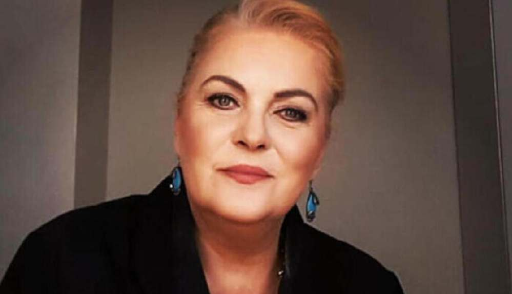 Oyuncu Nurseli İdiz: Erzincan'dan taksiye binip Nişantaşı'na gittim
