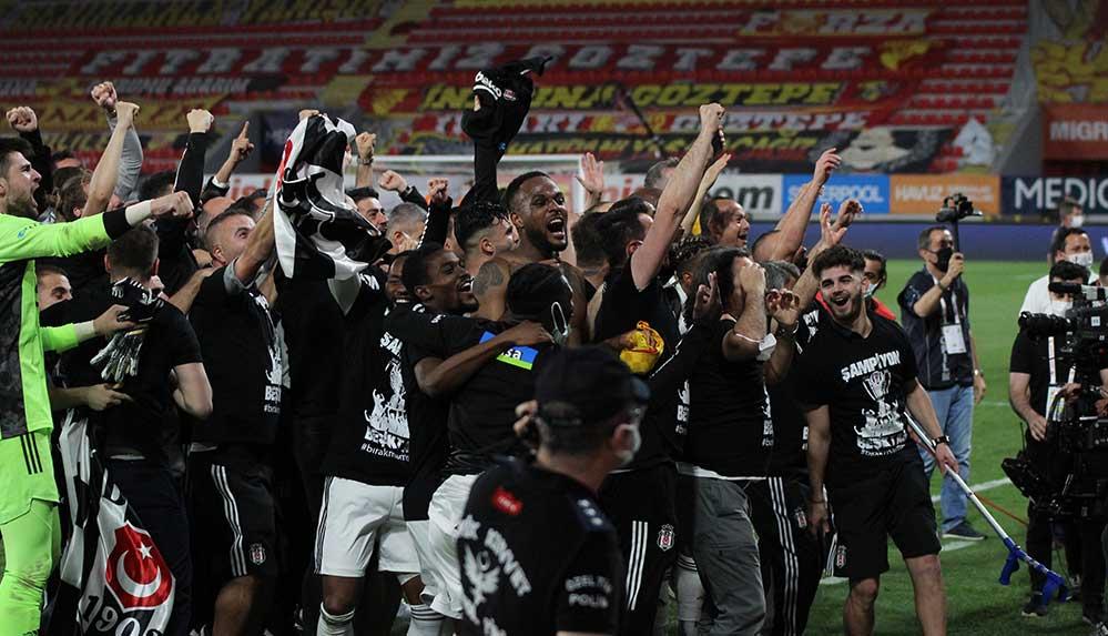 Beşiktaş Kulübü Başkanı Çebi: Tüm çalışanların emekleriyle şampiyon olduk