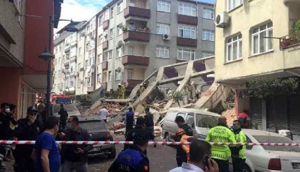 Son Dakika... Zeytinburnu'nda bina çöktü
