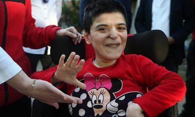 Tekerlekli sandalye hayali kuran engelli Sevda'nın yüzü bayramda güldü