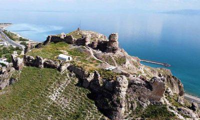 Van Gölü'nün eşsiz manzarasına sahip 3 bin yıllık kale restore ediliyor