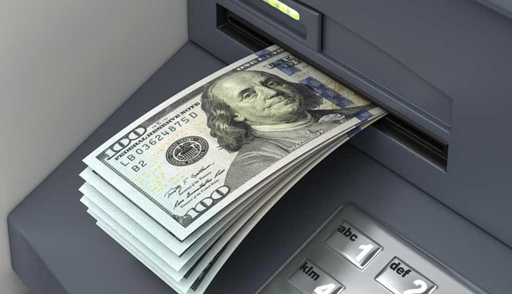 20 dolar çekmeye gitti; hesabında 1 milyar dolarla karşılaştı
