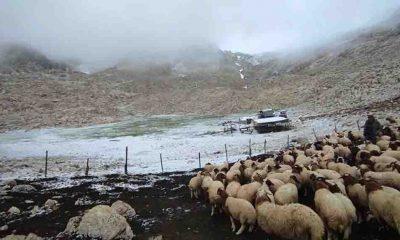Antalya'nın Kaş ilçesine kar yağdı