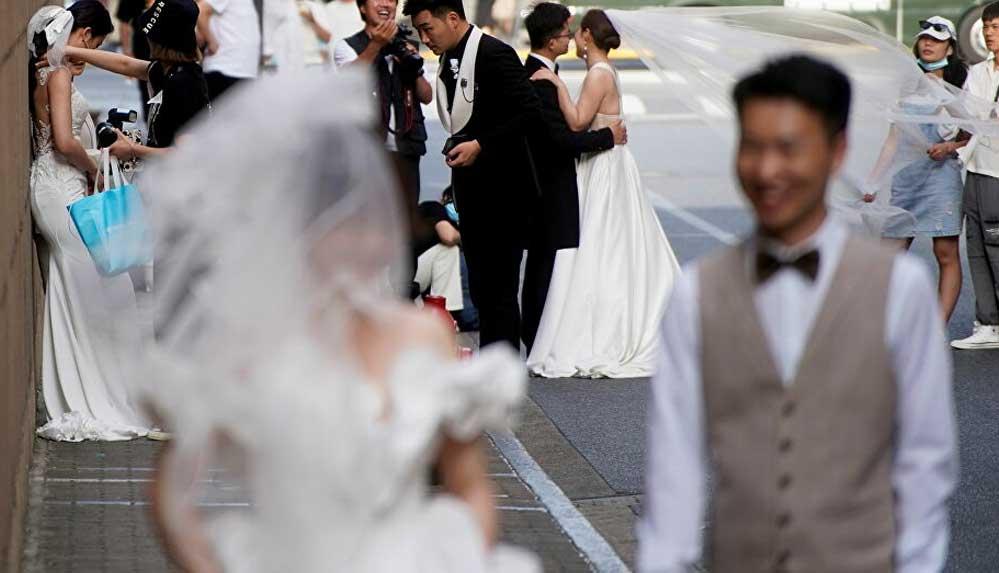 Çin'de düğün patlaması: 5 günde 400 binden fazla çift evlendi