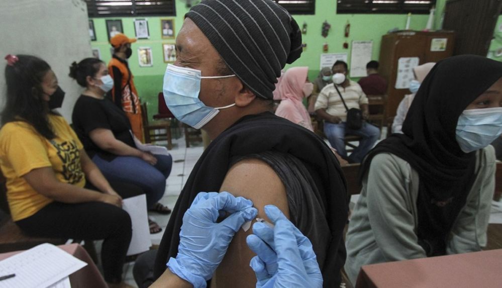 Dünya genelinde yaklaşık 2 milyar 388 milyon doz Covid-19 aşısı yapıldı