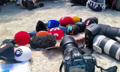 """Gazeteci örgütlerinden 'Gazeteciye şiddete hayır' eylemi: """"Nefes alamıyoruz"""""""