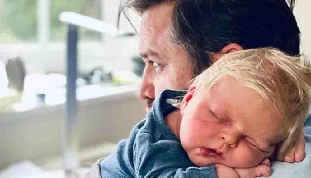 İngiltere'de doğan bebek, Boris Johnson'a benzerliğiyle dikkat çekiyor