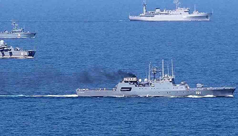 Karadeniz'de Rusya, İngiliz gemisine ateş açtı