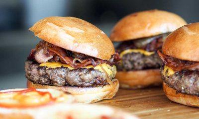 Polise bedava burger vermeyen restoranın 19 çalışanı gözaltına alındı