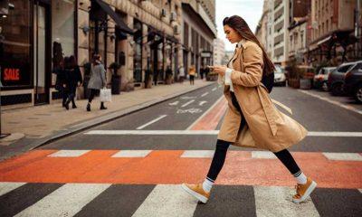 Polonya'da trafikte yayaların cep telefonu kullanması yasaklandı