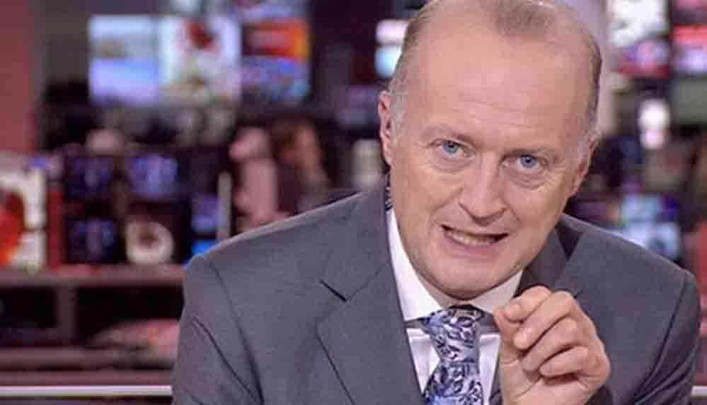 Sosyal medyada viral olan görüntü: BBC spikeri canlı yayına şortla çıktı!