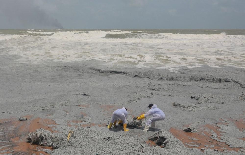 Sri Lanka sahilleri plastik kar örtüsüyle kaplandı