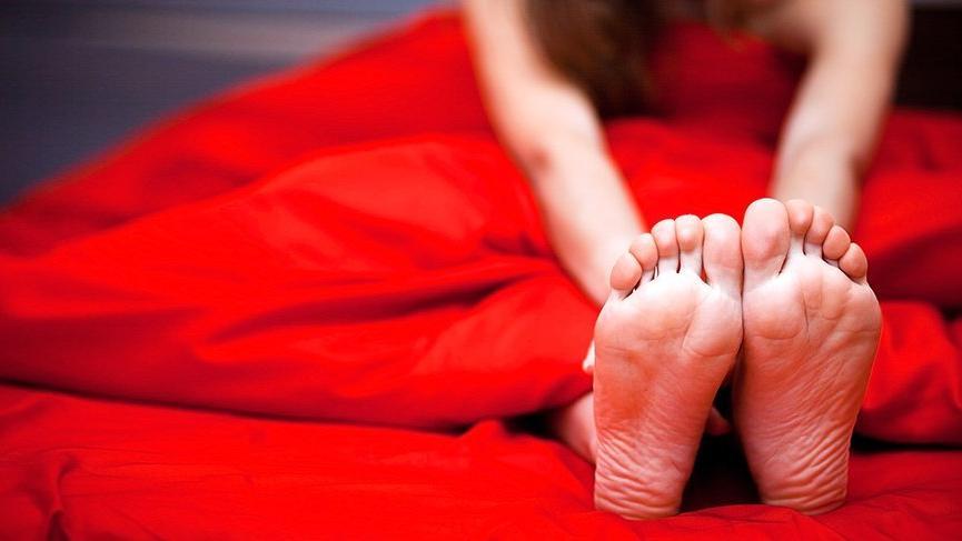 Huzursuz bacak sendromu nedir? Huzursuz bacak sendromuna ne iyi gelir?