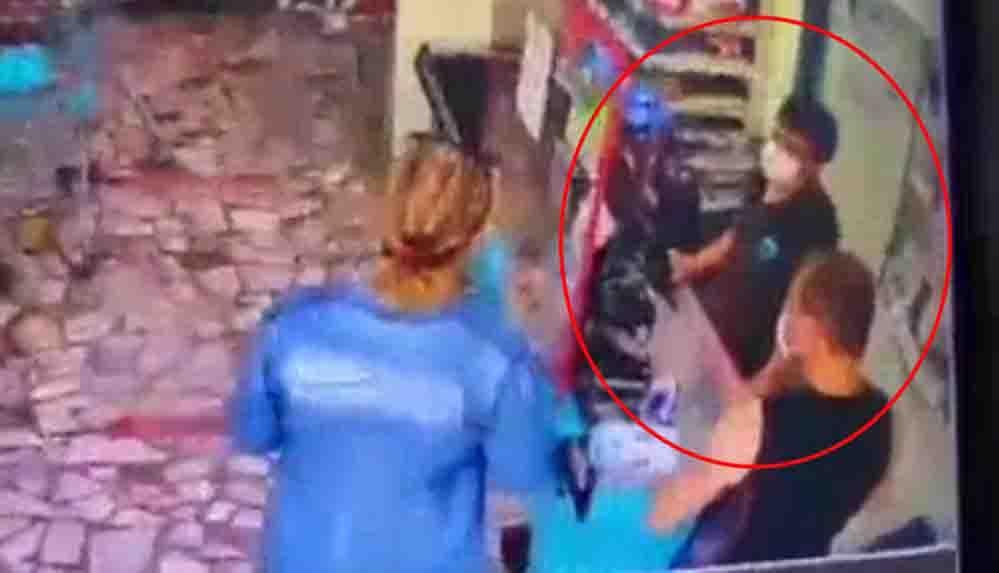 19 yaşındaki kasiyer, indirimli ürünleri sayarken 'Orkid var' dediği için müşterinin saldırısına uğradı