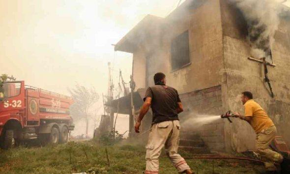 AFAD: Manavgat'taki yangında üç vatandaşımız hayatını kaybetti