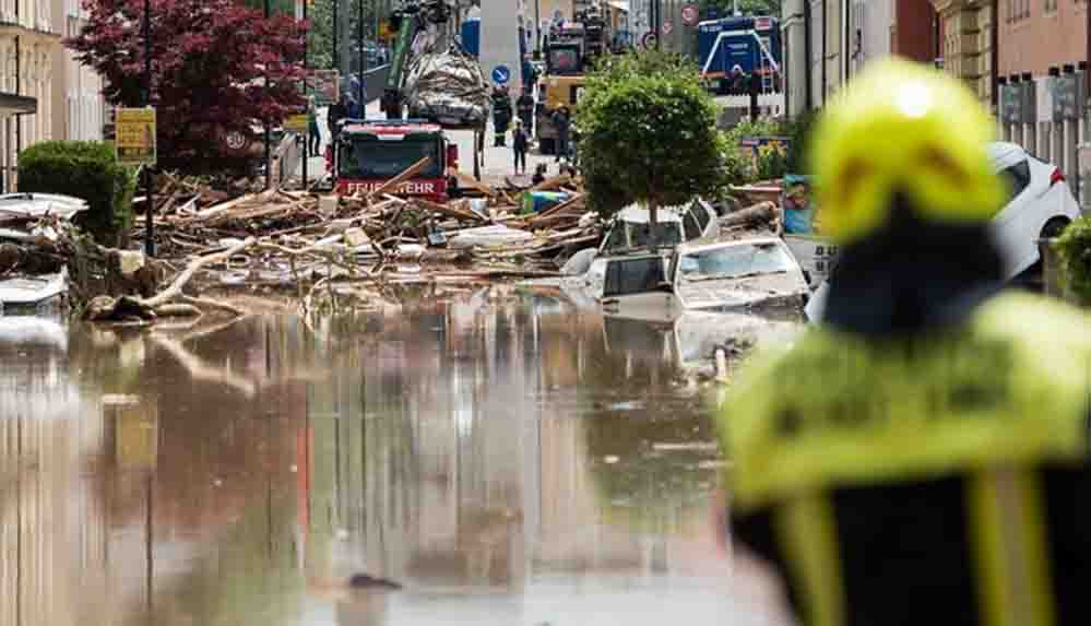 Almanya'da sel: 6 bina çöktü, 30 kişi kayıp