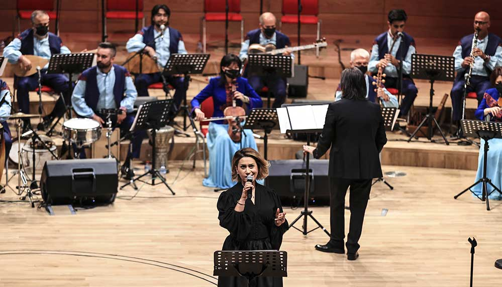 Azerbaycan Devlet Sanatçısı Azerin: Çırpınırdı Karadeniz benim alın yazım oldu
