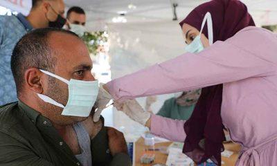 Bakan Koca: İlk doz aşısını henüz yaptırmayanların sayısı 21 milyon 585 bin 60'a indi