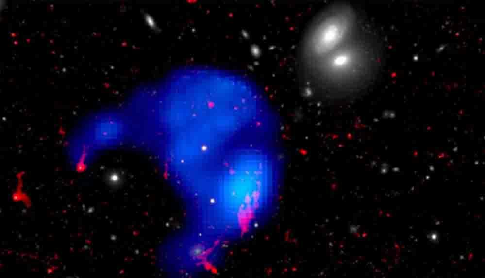"""Bilim insanları Samanyolu'ndan daha büyük ama """"yapayalnız"""" bir bulut keşfetti"""