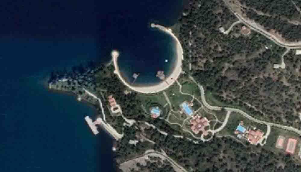 Gazeteci Çiğdem Toker'den Google Earth'teki 'yazlık saray' detayı