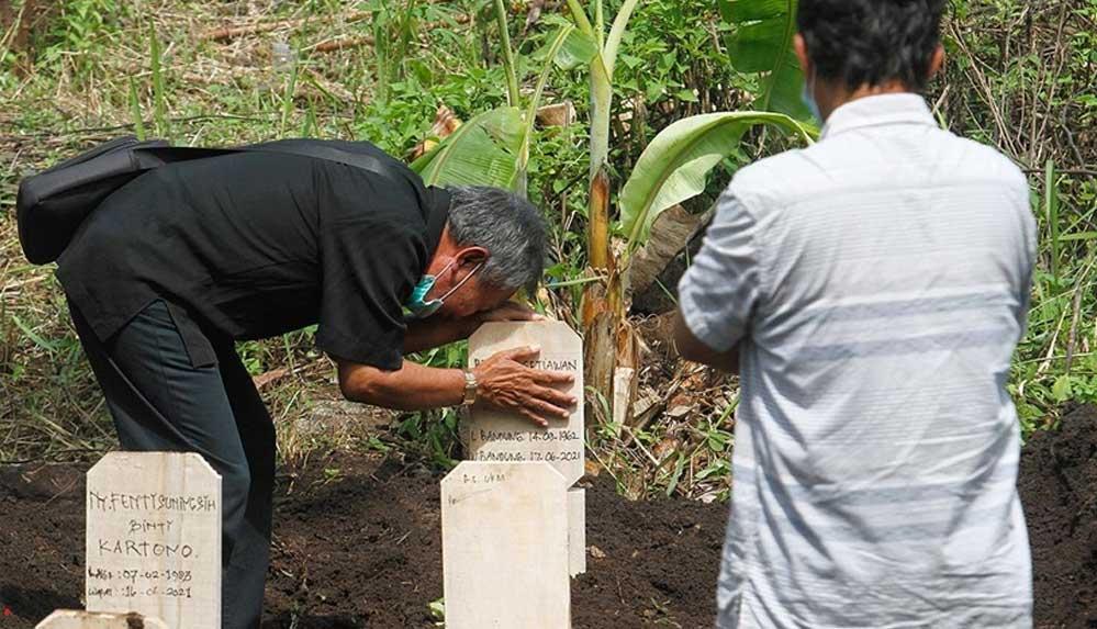 Hindistan'da Kovid-19 nedeniyle ölenlerin sayısı 4,7 milyon olabilir