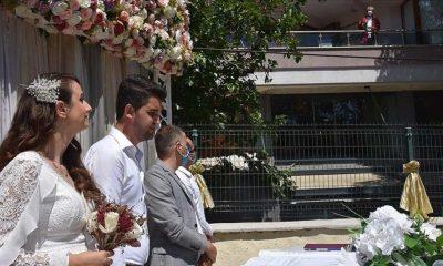 Koronavirüs tedavisi gören belediye başkanı bakın nasıl nikah kıydı