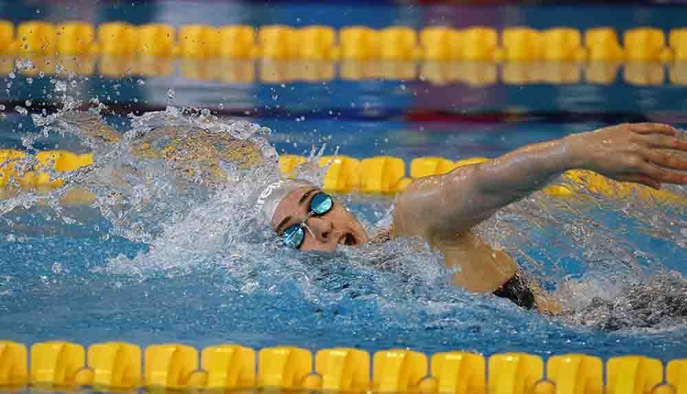 Milli yüzücü Merve Tuncel, gençlerde rekor kırarak Avrupa şampiyonu oldu