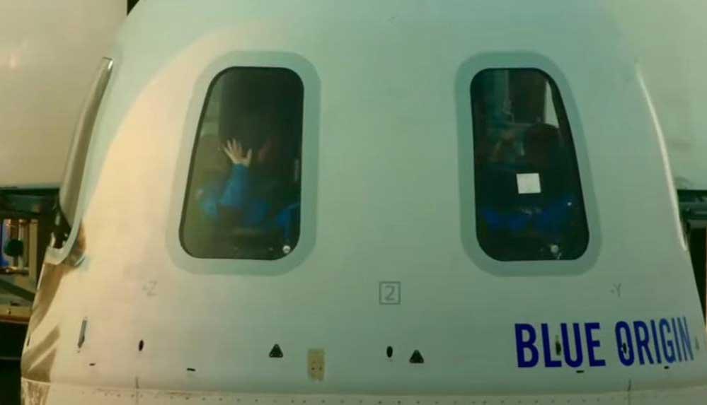 Milyarder iş insanı Jeff Bezos'un uzay yolculuğu gerçekleşti