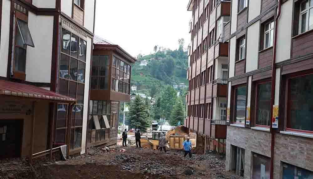 Rize'de hasar gün ağarınca ortaya çıktı
