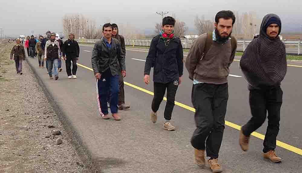 Uzmanlardan Afgan göçmenler için uyarı: Kapıda olası bir kriz ihtimali var