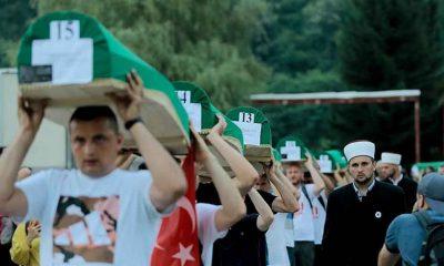 Yarın defnedilecek Srebrenitsa kurbanlarının tabutları Potoçari Anıt Mezarlığı'na taşındı