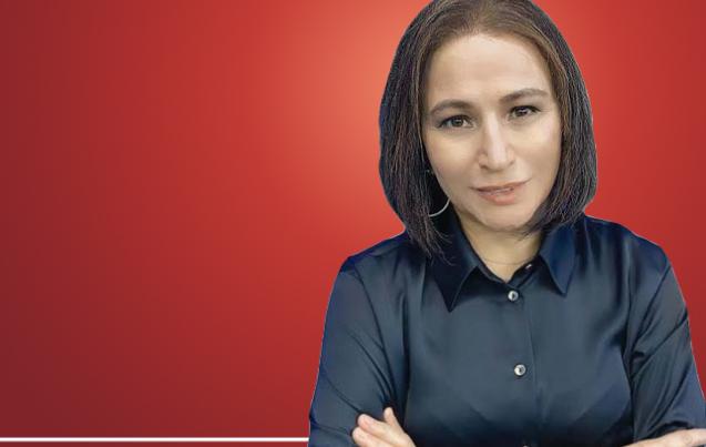 Karar gazetesi yazarı Elif Çakır, medyada ilk kez başörtüsüz fotoğrafını paylaştı