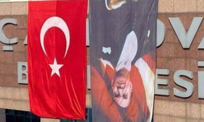 AKP'li belediye, Atatürk'ün resmini ters astı