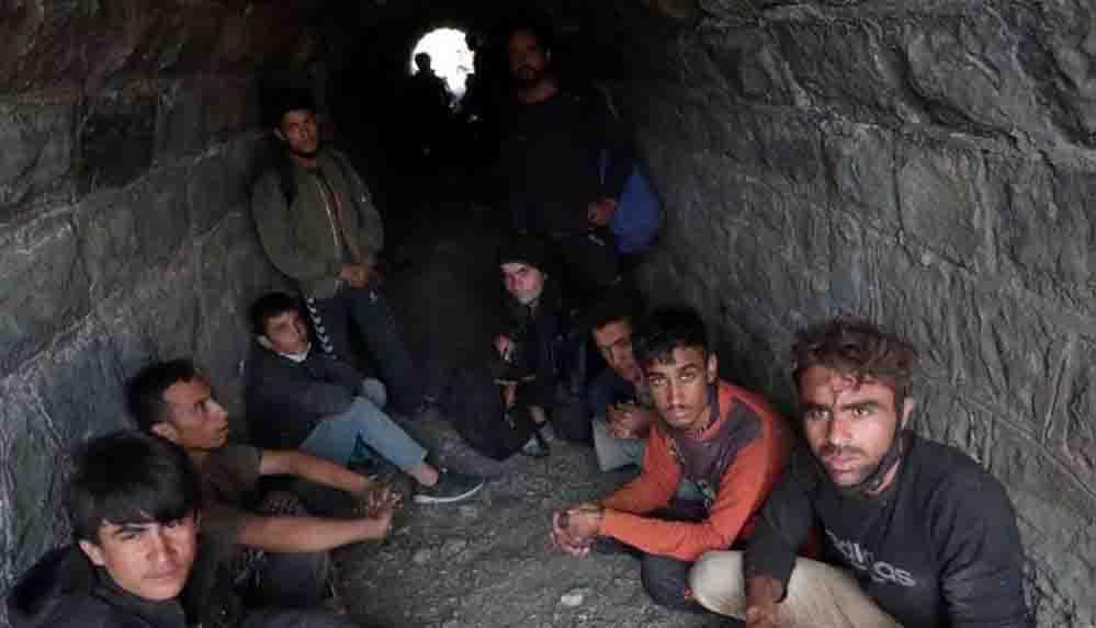 Türkiye'ye gelen Afgan genç drenaj tünelinde yaşıyor: Bitcoin işi kurmayı planlıyordum