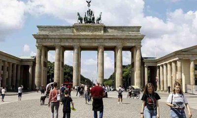 Almanya Sağlık Bakanı Spahn, Kovid-19 salgınının muhtemel bitişi için tarih verdi