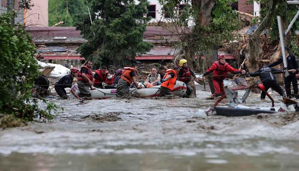 Karadeniz'deki sel felaketinde can kaybı 66'ya yükseldi