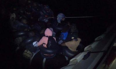 Didim'de sürüklenen lastik bottaki 30 düzensiz göçmen kurtarıldı