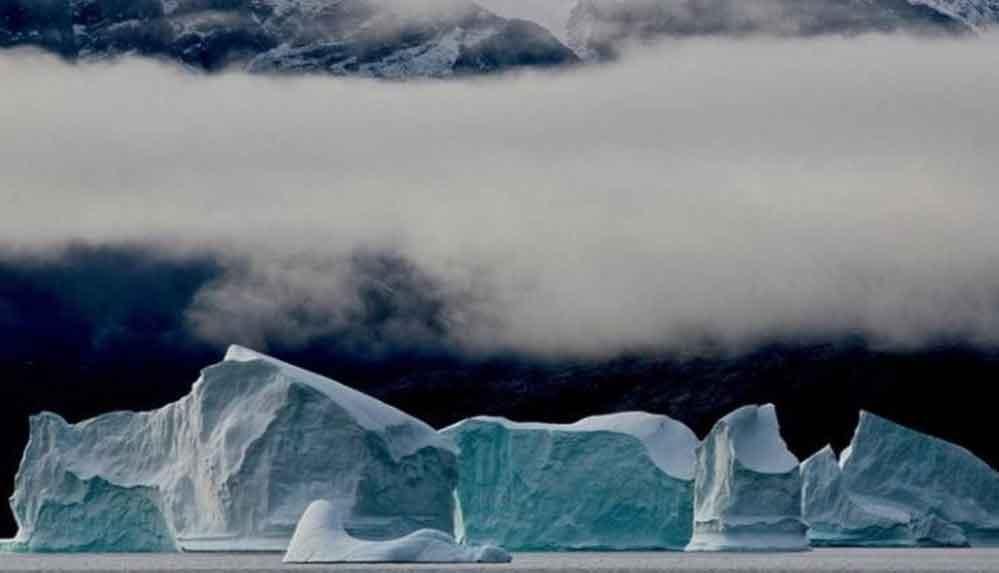 Grönland'daki buzulların zirvesine ilk kez yağmur yağdı