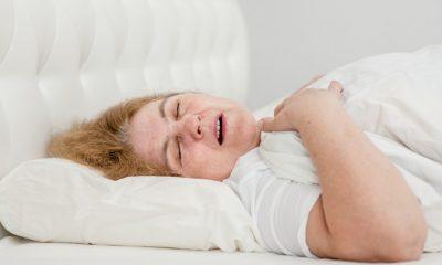 Horlama uyku apnesinin habercisi olabilir
