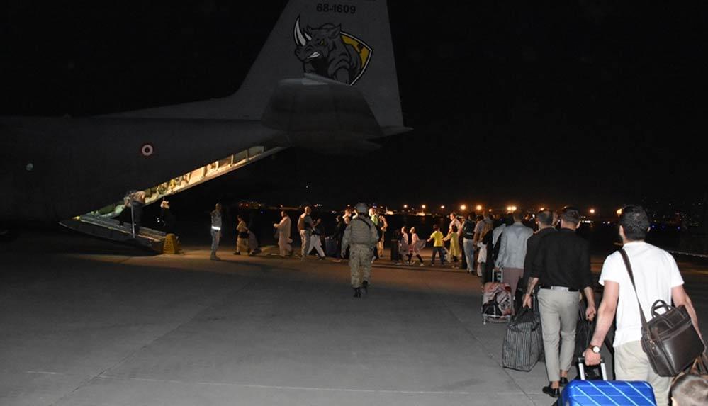 Kabil'deki 379 Türk vatandaşı daha tahliye edildi