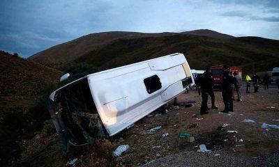 Kayseri'de midibüs şarampole devrildi: 19 yaralı
