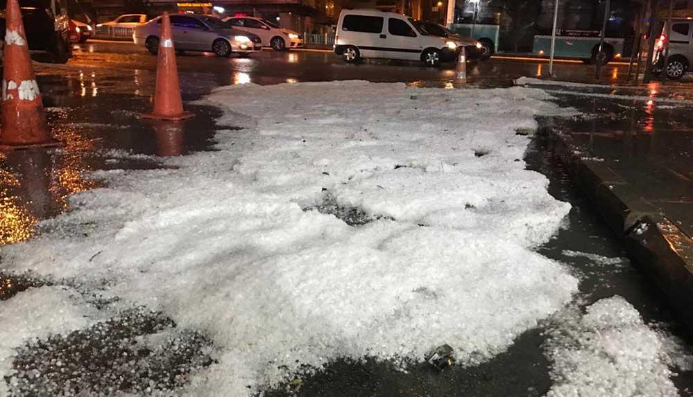 Erzurum dolu yağışı: Cadde ve sokaklarda taşkınlar yaşandı