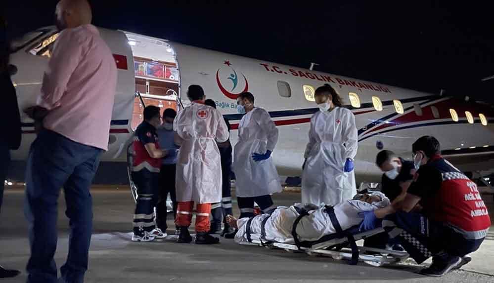 Lübnan'daki patlamada yaralanan 4 kişi ambulans uçakla Türkiye'ye gönderildi