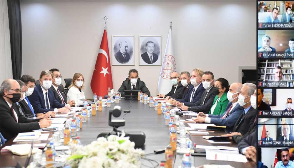 MEB, İstanbul İl Değerlendirme Toplantısı'nda yüz yüze eğitime hazırlıklar ele alındı