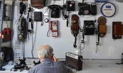 PTT emeklisi biriktirdiği 'antika' telefonları müzede sergilemek istiyor