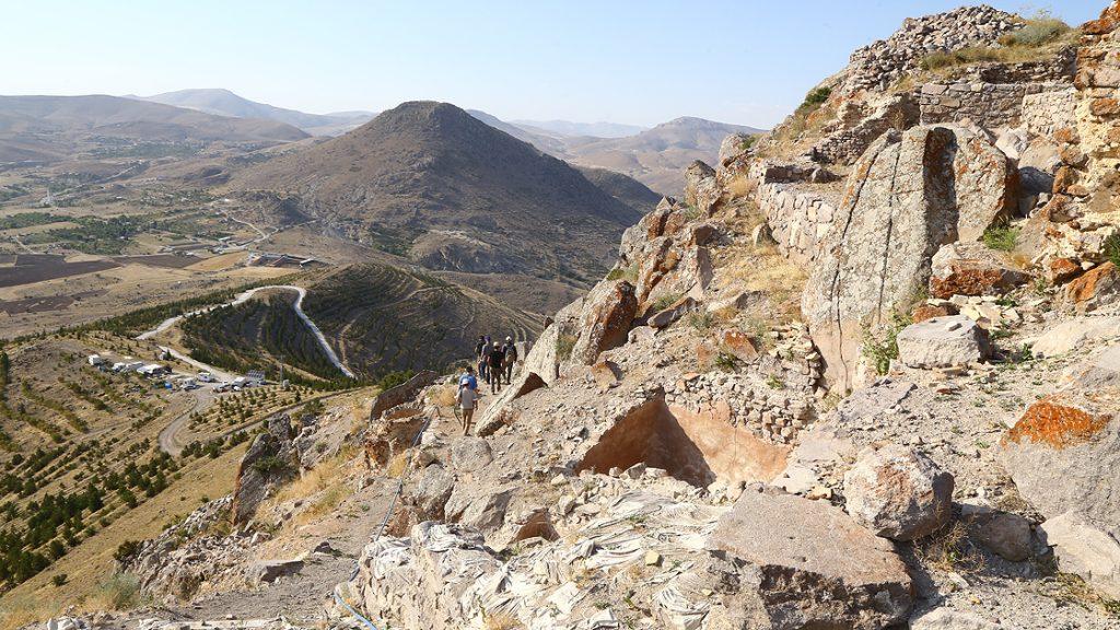 Konya'daki 5 bin yıllık stratejik kalenin 'kapısı' bulundu