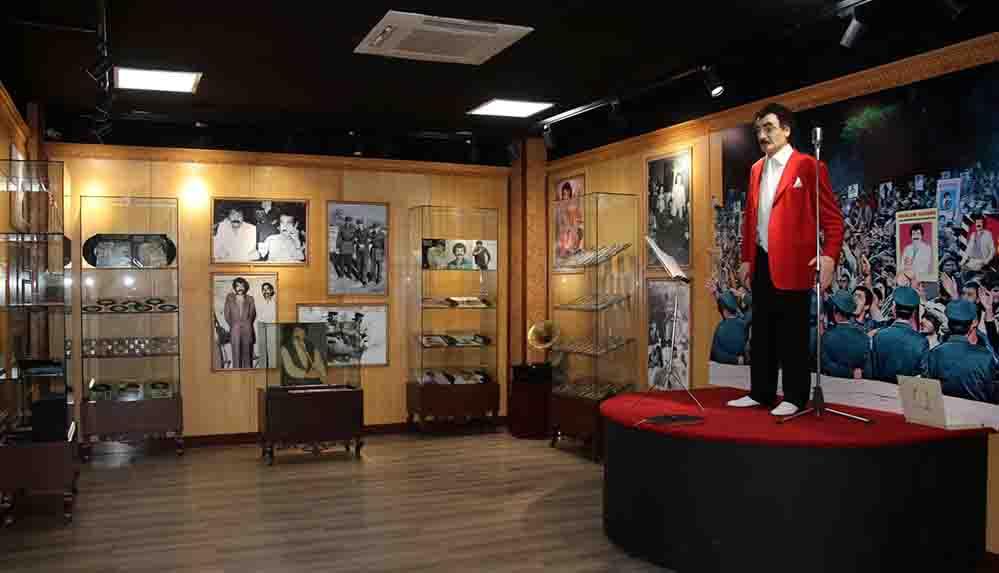 Şanlıurfa'da yeni yerine taşınan Müslüm Gürses Müzesi ziyaretçilerden ilgi görüyor