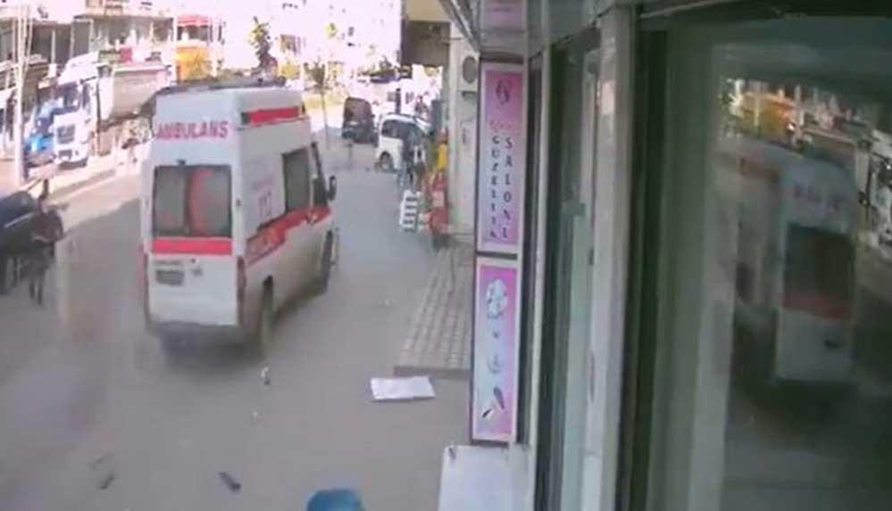 """Valilikten """"Suriyeli şahıs ambulans kaçırdı, vatandaşların üzerine sürdü"""" haberlerine açıklama"""