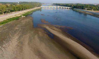 Suyu azalan Meriç Nehri'ndeki kum adacıkları genişliyor
