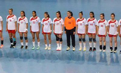 Yıldız Kız Milli Hentbol Takımı, Letonya'yı 36-20 yendi